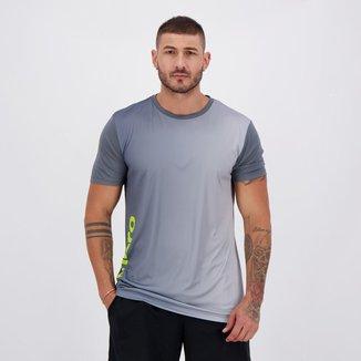 Camiseta Umbro TWR Turn Cinza